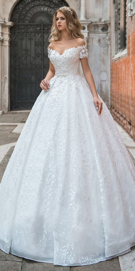 Váy cưới in họa tiết 3D
