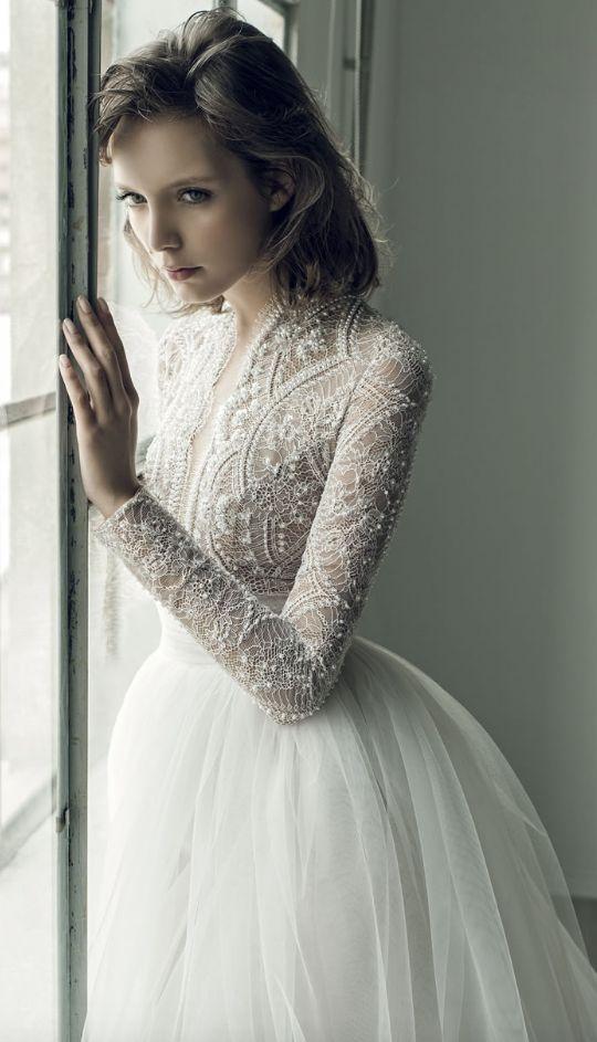 váy cưới đính ngọc trai