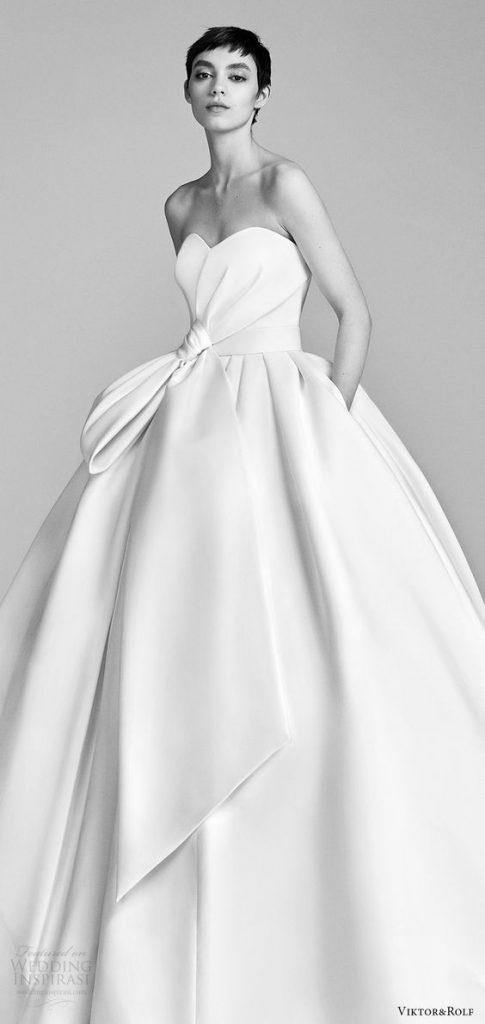 Váy cưới nơ to bản