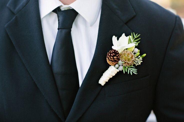 hoa cài áo chú rể